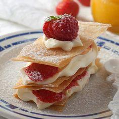 Millefeuille met aardbeien en lemoncurd espuma - Hap en Tap
