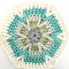"1,335 Me gusta, 8 comentarios - Crochet (@crochet.insta.lover) en Instagram: ""What would you make with this Mesmerize Hexagon Motif? FOLLOW @crochet.insta.lover …"""