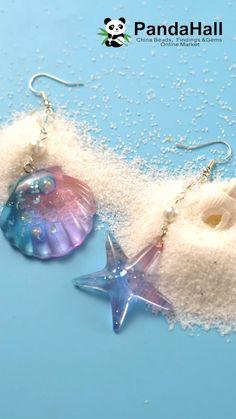uv resin crafts videos * uv resin + uv resin crafts + uv resin jewelry + uv resin tutorial + uv resin crafts diy + uv resin jewelry tutorials + uv resin crafts for beginners + uv resin crafts videos Diy Resin Art, Epoxy Resin Art, Diy Resin Crafts, Uv Resin, Diy Arts And Crafts, Jewelry Crafts, Handmade Jewelry, Custom Jewelry, Diy Resin Earrings