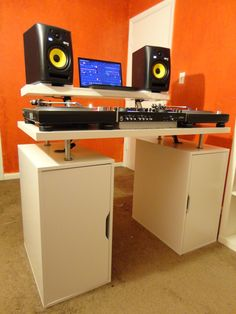 I know there are a ton of you who have resorted to being resourceful at ikea. Post your ikea creations here. Studio Desk, Studio Room, Studio Setup, Tv Ikea, Ikea Desk, Dj Setup, Room Setup, Dj Table, Bedroom Tv Wall