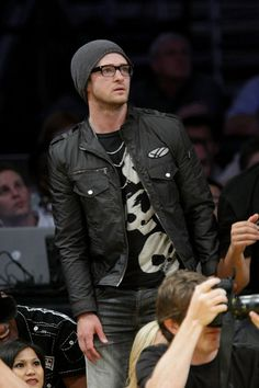 Justin Timberlake Photos Photos - Justin Timberlake attends Game One of the Western Conference Finals during the 2009 NBA Playoffs between the Los Angeles Lakers and the Denver Nuggets at Staples Center on May 19, 2009 in Los Angeles, California. (Photo by Noel Vasquez/Getty Images) * Local Caption * Justin Timberlake - Celebrities At The Lakers Game