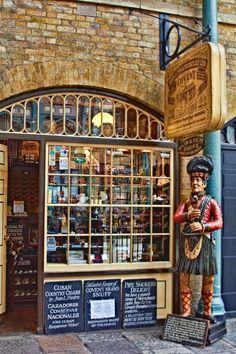 Segar & Snuff Parlour, Covent Garden, London, England
