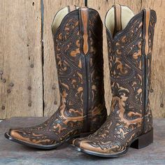 Corral Full Overlay and Studs Boot Cowgirl Style, Cowgirl Boots, Western Boots, Country Boots, Red High Heel Shoes, Shoes Heels Boots, Cute Country Outfits, Velcro Shoes, Waterproof Shoes
