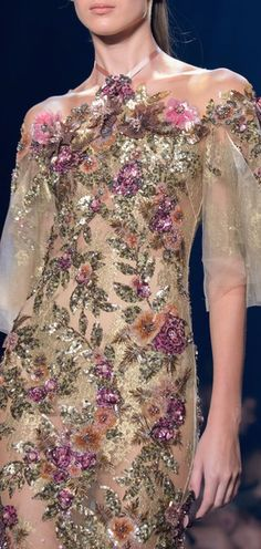 Marchesa // Ready to Wear - Spring 2017 Couture Fashion, Runway Fashion, High Fashion, Womens Fashion, Beautiful Gowns, Beautiful Outfits, Floral Fashion, Glamour, Patch