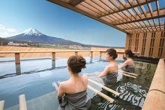 TOP 3 – Enjoy Fuji san from the onsen! Asia Travel, Japan Travel, Hotels And Resorts, Best Hotels, Japanese Bath House, Japanese Bathroom, Alpine Spas, Japanese Hot Springs, Hot Tub Backyard