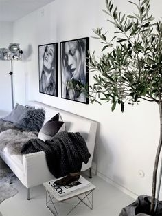 With classic aesthetics and simple details, who else can never get enough of some good minimal interiors? Keep scrolling for some serious interior inspo! Want some more interior inspo? House Design, Room Inspiration, Decor, House Interior, Home Living Room, Interior Design Inspiration, Home, Interior, Home Decor
