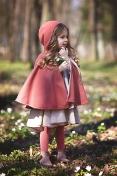 Toddler Wool Cape-Hooded Cape-Girls' Capelet-Pink Cape-Sizes to Cape-Wool girls Cape-Girls poncho- Girls Cape, Girls Poncho, Baby Girl Dresses, Cute Dresses, Girl Outfits, Baby Girls, Toddler Fashion, Girl Fashion, Fashion Design