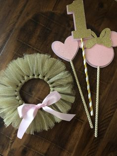 Minnie Mouse Pink and Gold Birthday Decorations Cake topper Centerpiece Minnie Mouse Birthday Decorations, Minnie Mouse First Birthday, First Birthday Parties, First Birthdays, Birthday Ideas, Minnie Mouse Rosa, Minnie Mouse Party, Tutu En Tulle, Theme Mickey