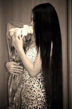 long black hair...if I had this hair I am sure I would receive more roses too and not just from my boyfriend lol ;)