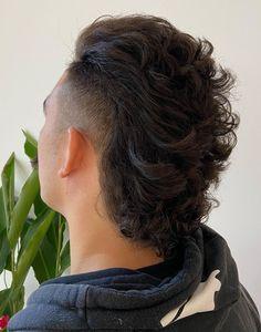 Mullet Haircut, Mullet Hairstyle, Date Hairstyles, Cool Hairstyles, Cool Haircuts, Haircuts For Men, Long Hair Receding Hairline, Long Undercut Men, Modern Mullet