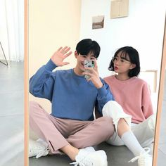 Find images and videos about love, couple and korean on We Heart It - the app to get lost in what you love. Ulzzang Couple, Ulzzang Boy, Best Friend Couples, Korean Couple, Fashion Couple, Couple Outfits, Couple Goals, Couple Style, Asian Fashion