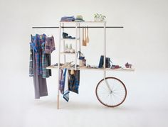 The Lungi Carro by CISZAK DALMAS for IOU --> a mobile shelf for a spanish clothing brand.