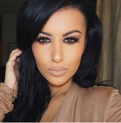 Love this look, shes beautiful!