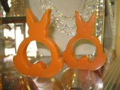 Vintage Pair Orange Sherbert Bakelite Standing Rabbit Napkin Rings