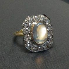 edwardian platinum and 18K moonstone and diamond ring | Past Era Antique Jewelry #antiquejewelry