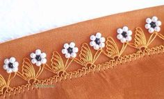 Brand new needle lace model that can be easily made on the edge of plain writings in any color. Needle Lace, Textiles, Useful Life Hacks, Filet Crochet, Bridal, Elsa, Needlework, Stitch, Writing