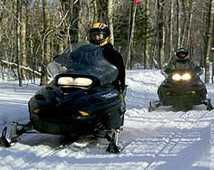 Snowmobiling in Vermont - SnowmobileVermont.com/