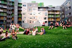 http://www.archdaily.com.br/br/763611/apartamentos-para-estudantes-gronneviksoren-3rw-arkitekter/54b49d3ce58ecedabc000198