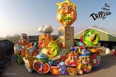 C.V. Doe Mar Dillies - Oijen - 2015. Nu de frietwagen van Wimke het heeft begeven, hebben wij chefkoks ingehuurd om de carnaval te overleven.