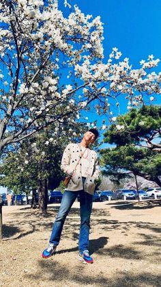 Our social Trends Bts Rap Monster, Kim Namjoon, Jung Hoseok, Bts Photo, Foto Bts, Mixtape, Bts Memes, Kim Daily, V Bts Cute