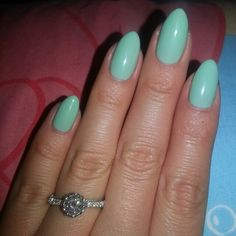 Mint Convertible CND Shellac with my gorgeous engagement ring  #REALNAILS #naturalnails