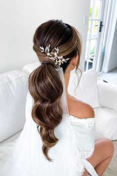 Modern Veil Set in a Sleek Ponytail with Lovely Hair Piece | Chic & Timeless Bridal Hairstyle Perfect for for Church Weddings, Outdoor Weddings, Beach Weddings and Garden Weddings Bridal Hair Creations by Kassy Wong | Perth, Western Australia #weddingperth #perthwedding #perthbride #perthbrides #perthweddinginspo #perthweddingideas #perthevents #perthbridetobe #perthweddings #australianweddings #australianwedding #aussiewedding #australianbeauty #bridalhair #hairinspo #hairinspiration