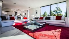 Villa Horizon-  A Luxurious Home in Arbonne, France
