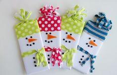Идея для подарка. Плитка шоколада в виде снеговичка