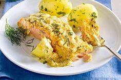 Losos zapečený s bylinkovou omáčkou, servírovaný s petrželovými bramborami