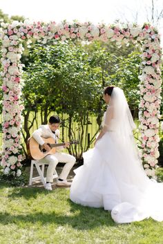 A surprise song for his bride: http://www.stylemepretty.com/2017/02/17/groom-romantic-surprises/