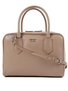 469263e2628a  prada  bags  leather  hand bags