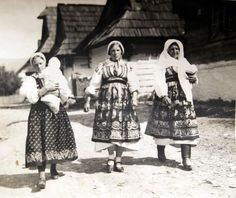 Folk Costume, Costumes, Vintage Pictures, Techno, Hungary, Beautiful, Europe, Embroidery, Country