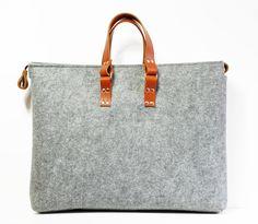 Große Filztasche von Krakau  von popeq design auf DaWanda.com