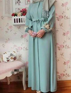 Iranian Women Fashion, Islamic Fashion, Muslim Fashion, Hijab Dress Party, Hijab Style Dress, Abaya Fashion, Fashion Dresses, Moda Hijab, Hijab Elegante