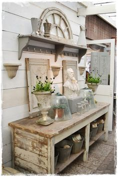 Shabby Chic Decor easy and creative tricks - Cleverly ingenious images to create a creative and shabby shabby chic home decor rustic . The fantabulous ideas posted on this not so shabby day 20190519 , pin note ref 5459566262 Cottage Style, Farmhouse Style, Farmhouse Decor, Vintage Farmhouse, Farmhouse Bench, Country Decor, Rustic Decor, Rustic Chic, Country Homes