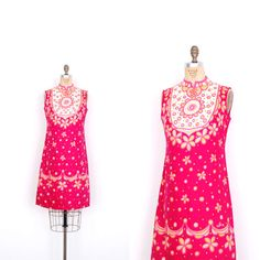 Vintage 1960s Dress / 60s Vera Floral Cotton Shift Dress / Pink (medium M)