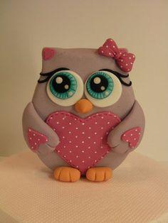 """Képtalálat a következőre: """"owl birthday cake"""" Polymer Clay Owl, Polymer Clay Animals, Polymer Clay Creations, Cake Creations, Fondant Owl, Fondant Animals, Fondant Cakes, Fondant Baby, Fondant Flowers"""