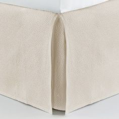 The Montauk matelassé may be the perfect neutral for the modern bed. Montauk delights with a sophisticated all over pebble pattern in fresh neutrals. Unique double-needle details, and an engineered-frame border with rounded mitered corners completes the look. Cal King Bedding, Coverlet Bedding, Dust Ruffle, Thing 1, L Shape, King Beds, California King, Color Mixing, Beige