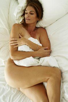 ... look as good naked as Cindy Crawford - Hollywood Gossip | MovieHotties: www.pinterest.com/granddaddyg2013/celebrities