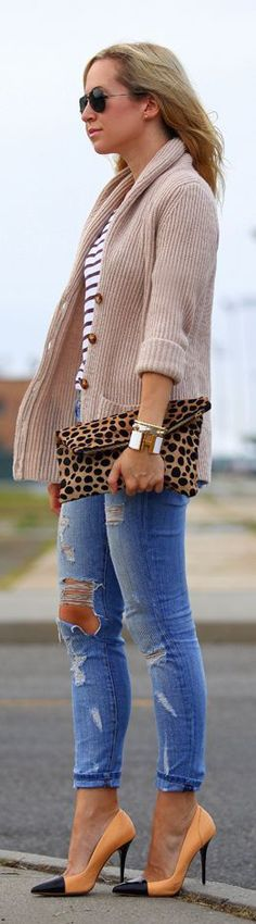 Cardigan,Jeans,Leopard purse and Pumps