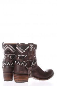 Boots boots boots, I love boots!!