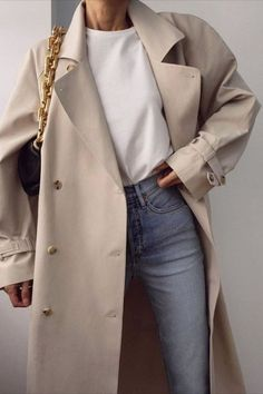 Style 15 Fresh Ways to Style Your Trench Coat This Spring Outfitting Ideas Mode Coat fresh ideas Outfit ideen Outfitting Spring Style Trench Ways Mode Outfits, Trendy Outfits, Fashion Outfits, Womens Fashion, Fashion Boots, Jeans Fashion, Modest Fashion, Fashion Ideas, Fashion Tips