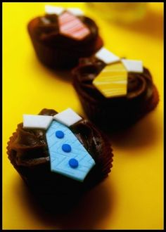 Father's Day Necktie Cupcakes