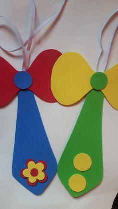 Como Fazer Gravata de EVA: 25 Modelos e Moldes - Artesanato Passo a Passo! Carnival Birthday, Circus Theme Crafts, Clown Crafts, Carnival Crafts, Clown Party, Circus Party, Crafts For Kids, Diy For Kids, Foam Sheets