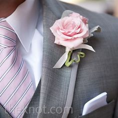 Love this boutonniere. Real Weddings - A Casual Romanitc Wedding in Ponte Vedra Beach, FL - Pink Rose Boutonniere Groom And Groomsmen Suits, Groomsmen Boutonniere, Rose Boutonniere, Boutonnieres, Groomsmen Outfits, Wedding Boutonniere, Dream Wedding, Wedding Day, Budget Wedding