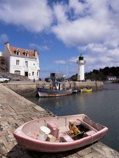 Lighthouse on Waterfront, Port Sauzon, Belle Ile En Mer, Brittany, France ~~~ allposters.com