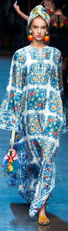 Dolce & Gabbana Collection Spring 2016 Ready-to-Wear Fashion Week, Runway Fashion, Boho Fashion, High Fashion, Fashion Show, Womens Fashion, Fashion Design, Fashion Trends, Steampunk Fashion