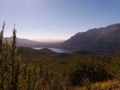 A caminho do Refúgio Frey em BARILOCHE, paisagens incríveis, lugar que me deixou sem palavras. #Deusebom