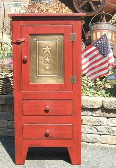 Isabel & Alma bake their specialty pies and used a pie safe like this red one while growing up in Quiet Anchorage. Amish Furniture, Primitive Furniture, Custom Furniture, Furniture Making, Painted Furniture, Furniture Ideas, Pallet Furniture, Antique Furniture, Jelly Cabinet