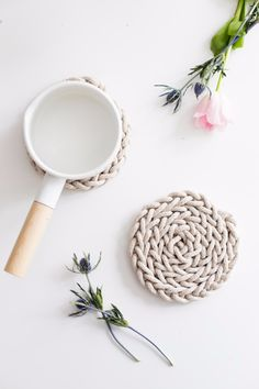 38 Easy Knitting Ideas - Finger Knit Rope Trivet - Knitting Ideas For Beginners, Cute Kinitting Projects, Knitting Ideas And Patterns, Easy Knitting Crafts, Gifts You Can Knit, Knitted Decors http://diyjoy.com/easy-knitting-ideas